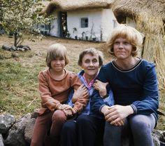 Astrid Lindgren och bröderna Lejonhjärta. Foto: IBL