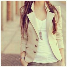 Structured jacket & white tee