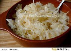 Domácí kysané zelí - salátové recept - TopRecepty.cz Grains, Cabbage, Fruit, Vegetables, Food, Meal, Vegetable Recipes, Hoods, Seeds