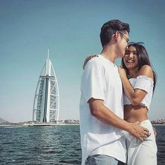 In Love Dubai 2017 (ctto) Nadine Lustre Ootd, James Reid Wallpaper, Lady Luster, Asian Celebrities, Celebs, Jadine, How To Pose, Best Couple, Photo Poses