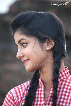 Beautiful Girl In India, Beautiful Blonde Girl, Beautiful Girl Photo, Most Beautiful Indian Actress, Beauty Full Girl, Cute Beauty, Indian Girl Bikini, Indian Girls, Dehati Girl Photo