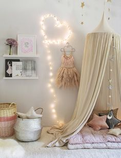 More than15 pictures and lots of ideas. All in one post! Click through to learn how to create an amazing space (playroom, kids room or baby nursery) thanks to a beautiful canopy http://petitandsmall.com/creating-special-kids-spaces-canopies/