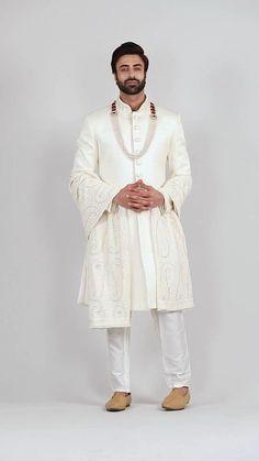 Sherwani For Men Wedding, Mens Sherwani, Sherwani Groom, Wedding Groom, Wedding Men, Mens Fashion Blazer, Fashion Outfits, Groom Wear, Men Online