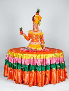 živý stôl - Exotická ovocná lady #livingtable #statue #party #costume #exotic #fruit #fruitlady #table #zivystol #zivestoly #partystoly #partytable