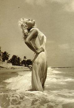 Sandy Fulton | The Best Photos Of Marilyn Monroe.....That Aren't Marilyn Monroe