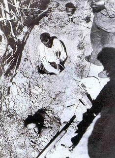 Umberto Marabese : 17 ottobre del 1961...PARIGI: MASSACRO IN PIENO CENTRO (ma non quello di cui parlano loro...)*