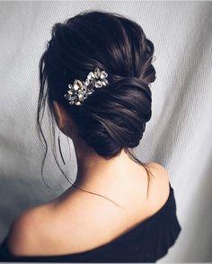 nice 34 Totally Inspiring Bridal Wedding Hairstyles Ideas  https://fashioomo.com/2018/04/16/34-totally-inspiring-bridal-wedding-hairstyles-ideas/ #weddinghairstyles