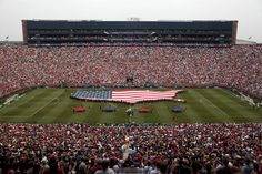 Manchester United and Real Madrid set U.S. soccer attendance record with 109,318 fans http://www.mlive.com/sports/ann-arbor/index.ssf/2014/08/manchester_united_and_real_mad_1.html