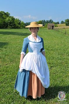 Proper colonial dress for a working woman 18th Century Dress, 18th Century Costume, 18th Century Clothing, 18th Century Fashion, Historical Costume, Historical Clothing, Vintage Outfits, Vintage Fashion, Period Outfit