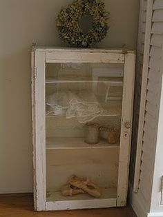 why, oh why, didn't i keep any of my old pointe shoes? i love this. it would be so sweet for a monochromatic themed room.
