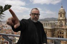 Alex de la Iglesia en la terraza del AC Hotel Málaga Palacio by Marriott
