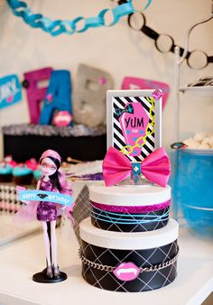 Monster High Party Ideas - DIY Centerpiece and Printables by HWTM