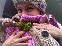 Big Button Hat free Ravelry pattern
