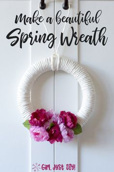 Brighten your front door and home with this easy and simple DIY Spring Wreath. A fun and easy paper twist ribbon craft for your front door this spring. Diy Spring Wreath, Diy Wreath, Easy Craft Projects, Easy Crafts, Craft Ideas, Simple Diy, Easy Diy, Beautiful Houses Interior, Ribbon Crafts
