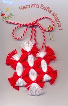 Yarn Flowers, Yarn Crafts, Crochet Clothes, Projects To Try, March, Christmas Ornaments, Holiday Decor, Manualidades, Embroidery