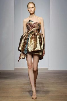 Yiqing Yin 10 - The Cut This looks like something I would or have designed in the early years... LOve it!