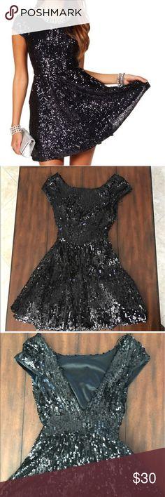 Windsor sequin skater dress Great condition !  Worn only once. WINDSOR Dresses Mini