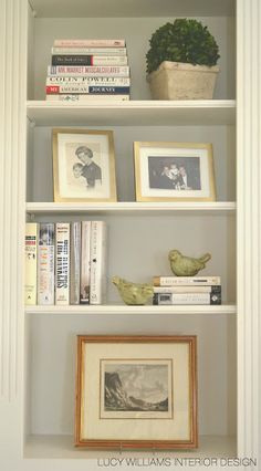 LUCY WILLIAMS INTERIOR DESIGN BLOG: BEFORE AND AFTER: LIVING ROOM BOOKCASE