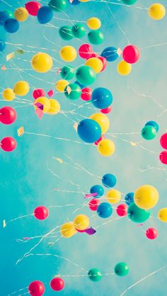 Balloons up in the air. Tap image for more Objects Photography Wallpapers for iPhone 5/5s and iPhone 6/6Plus. - @mobile9 #photography #vintage #lomography #retro