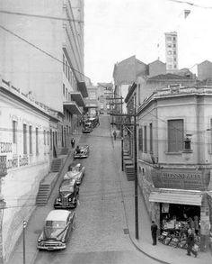 1956 - Ladeira da Constituição. Região da Rua 25 de março, conhecida como Ladeira das bijuterias...