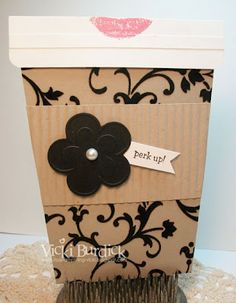 Starbucks gift card holder - love it.  From Vicki Burdick's blog http://itsastampthing-vicki.blogspot.ca/2012/05/coffee-gift-card-holders.html