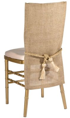 This organic burlap chair back has a simple silhouette of natural and earthy elements make this a perfect chair sleeve for a rustic and outdoor look Retro Dining Chairs, Farmhouse Table Chairs, Vintage Chairs, Cool Chairs, Upholstered Dining Chairs, Folding Chair Covers, Chair Back Covers, Dining Room Chair Covers, Chair Backs