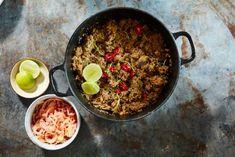 Het uit oorpronkelijk West Sumatraanse gerecht moet je een keer geproefd hebben. Chili, Soup, Beef, Seeds, Turmeric, Meat, Chilis, Soups, Ox