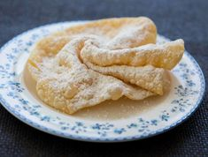 Foto: Claudia Plattner Apple Pie, Sweets, Bread, Desserts, Food, Fritters, Baking Biscuits, Small Cake, Quick Recipes