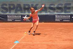 GAK-Tennis: KIDS-Meisterschaften Tennis, Basketball Court, Lily, Economics, Tennis Sneakers, Lilies, Sneaker