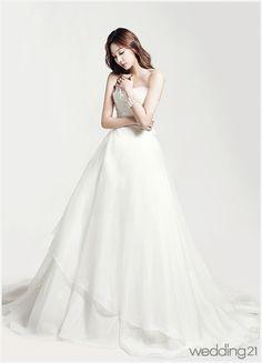 [웨딩드레스] 사랑스럽고도 우아한 웨딩드레스의 아름다운 향연, 본느마리에 < 웨딩뉴스 < 웨딩검색 웨프
