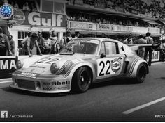 Forty years ago, the Porsche 936 became the first prototype with a turbocharged engine to win the 24 Hours of Le Mans. The design heritage draws on a number of the marque's emblematic racing car Porsche Rsr, Porsche Carrera, Le Mans, Road Racing, Auto Racing, Martini Racing, Lamborghini Gallardo, Rally Car, Bosch