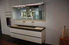 Droombadkamers in Italiaanse sfeer van Assenti Double Vanity, Bathroom, Google, Washroom, Full Bath, Bath, Bathrooms, Double Sink Vanity