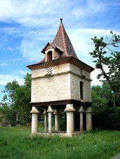 Pigeonnier de Pradinas, Tarn, France.