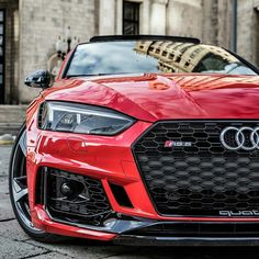 This is one of the best looking #Audi on Pinterest. Lovin\' the way it reflects the city in which it\'s surrounded, as well as the way the headlights are looking.