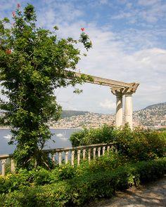 Villa Ephrussi de Rothschild View To St-Jean-Cap-Ferrat