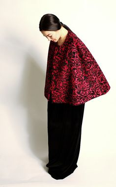 Gothic wool cape red and black by Demimondefashion on Etsy