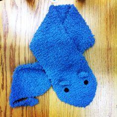 Cuello para niñas en forma de animalito con lana bombón de katia