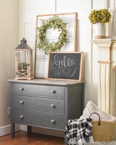 Looking for an easy decoration to add to a frame, wall or tabletop? Try out this easy tutorial on how to make a wallpaper sign. Looking for an easy decoration to add to a frame, wall or tabletop? Try out this easy tutorial on how to make a wallpaper sign. Easy Home Decor, Cheap Home Decor, Interior Design Living Room, Living Room Decor, Dining Room, D House, Diy Décoration, Decorating Your Home, Decorating Blogs