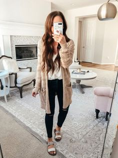 Oct 2019 - Posts from darylanndenner Mom Outfits, Cute Casual Outfits, Fall Winter Outfits, Spring Outfits, Spring Summer Fashion, Autumn Winter Fashion, Cute Fashion, Fashion Outfits, Fashion Tips