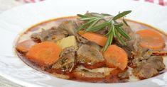 Hozzávalók 8 személyre 1 kg őz- vagy szarvashús ( lapocka vagy comb ) 25 dkg vargányagomba 1 sárgarépa 1 petrezselyemgyökér 1 ... Pot Roast, Thai Red Curry, Ethnic Recipes, Comb, Carne Asada, Roast Beef, Beef Stews