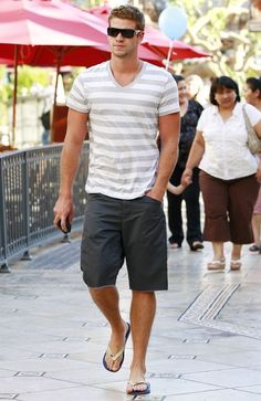 Share, rate and discuss pictures of Liam Hemsworth's feet on wikiFeet - the most comprehensive celebrity feet database to ever have existed. Bare Men, Abercrombie Men, Barefoot Men, Mens Flip Flops, Men Photography, Liam Hemsworth, Male Feet, Men Looks, Short Outfits