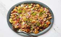 Chickpea-Potato Chaat Entree Recipes, Veg Recipes, Indian Food Recipes, Cooking Recipes, Vegetable Salad, Vegetable Side Dishes, Med Diet, Chaat Recipe, Savory Foods