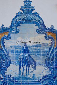 Vila Franca de Xira train station blue tiles with scenes from the leziria daily life