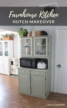 Farmhouse Kitchen Hutch Makeover - a little paint and elbow grease goes a long way! Kitchen Hutch Cabinet, Cabinet Decor, Dining Hutch, Kitchen Storage, Hutch Makeover, Furniture Makeover, Farmhouse Kitchen Decor, Farmhouse Design, Farmhouse Style