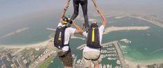 Así se ve saltar desde la cima de un edificio de 101 plantas, en 4K