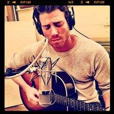 You are so attractive Bryan Greenberg!