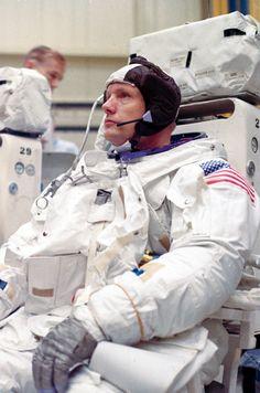 Astronauts Neil Armstrong, Buzz Aldrin and Michael Collins had already spent months in training as the backup crew for Apollo 8 when, on Jan. Nasa Moon Photos, Programa Apollo, Apollo Spacecraft, Apollo Space Program, Nasa Astronauts, Nasa Planets, Space And Astronomy, Nasa Space, Neil Armstrong
