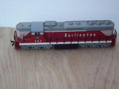 HO Scale SD-24 BURLINGTON # 505 POWERED DIESEL 12 WHEEL LOCOMOTIVE TRAIN ENGINE