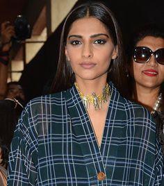 Sonam Kapoor Jewellery New Sonam Kapoor Cannes, Sunita Kapoor, Plain White Shirt, National Film Awards, Basic Outfits, Check Shirt, Get Over It, Indian Actresses, Tatoos