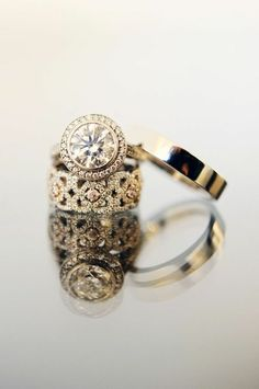 Love this whole set. I think it's gorgeous, and it has the wide wedding band- my absolute favorite! Vintage Engagement Rings- this is my favorite wide wedding band! Bling Bling, The Bling Ring, Yoga Armband, Cute Engagement Rings, Solitaire Engagement, Thick Band Engagement Ring, Solitaire Setting, Halo Setting, Bijou Box